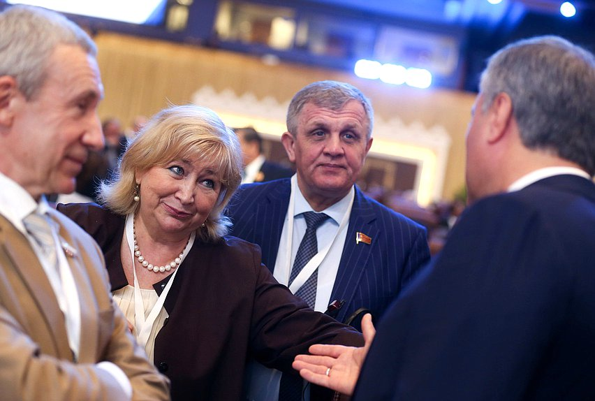 Deputy Chairwoman of the Committee on Issues of Family, Women and Children Elena Vtorygina and First Deputy Chairman of the Committee on Labor, Social Policy and Veterans' Affairs Nikolai Kolomeitsev