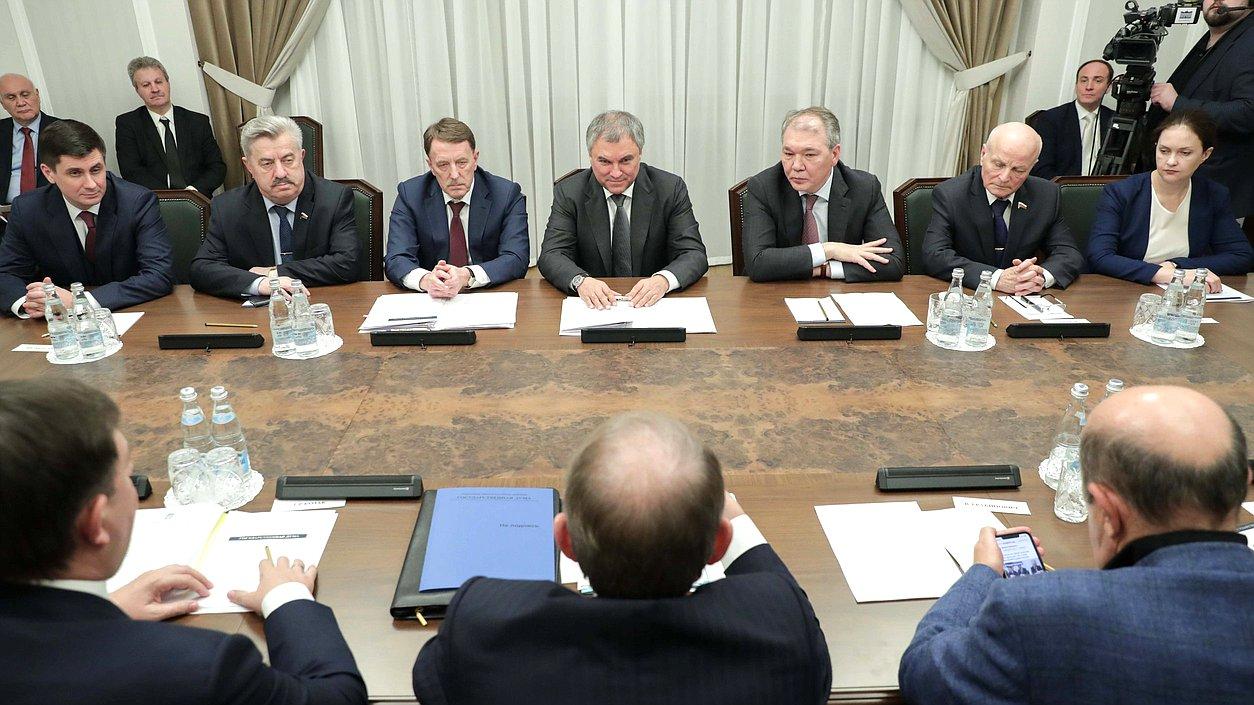 ВМИД Франции считают идею Медведчука омежпарламентском разговоре  благоприятной  — Волошин