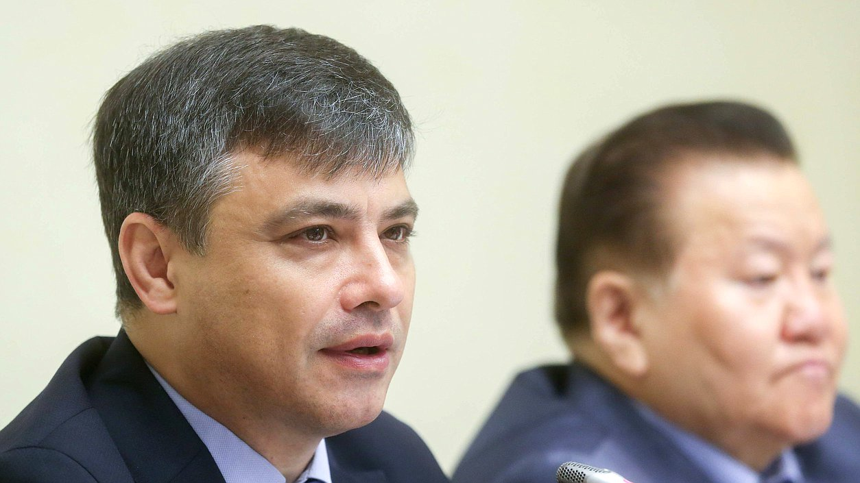 Председатель Комитета поохране здоровья Дмитрий Морозов