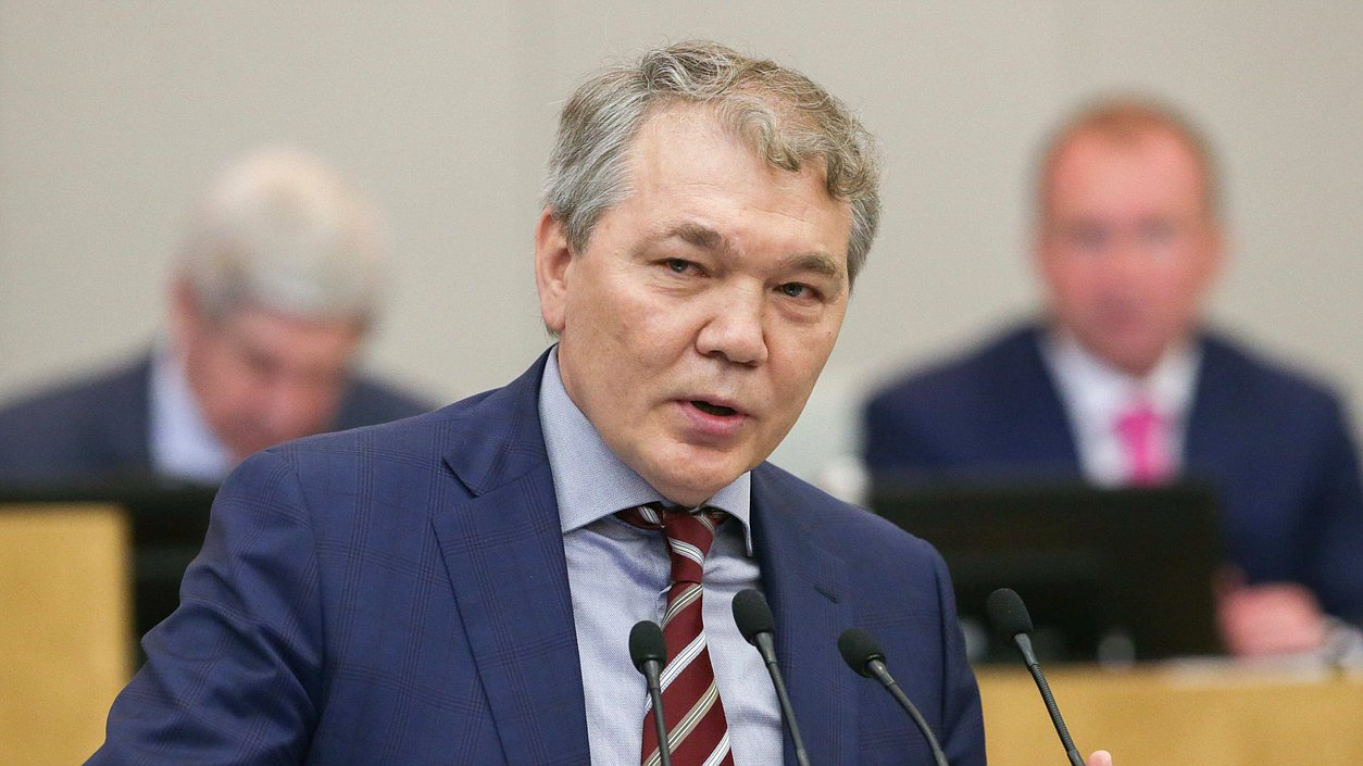 В Госдуме оценили планы Зеленского ответить на выдачу российских паспортов