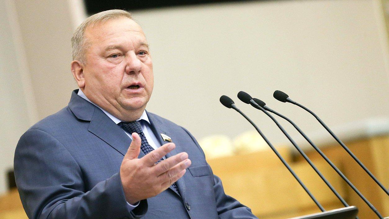 Председатель Комитета пообороне Владимир Шаманов
