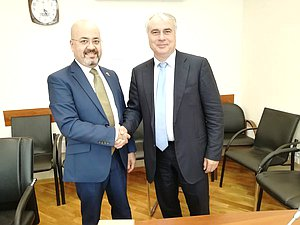 Ambassador Extraordinary and Plenipotentiary of the Republic of Iraq to the Russian Federation Haidar Mansour Hadi Avis and Chairman of the Committee on Energy Pavel Zavalnyi