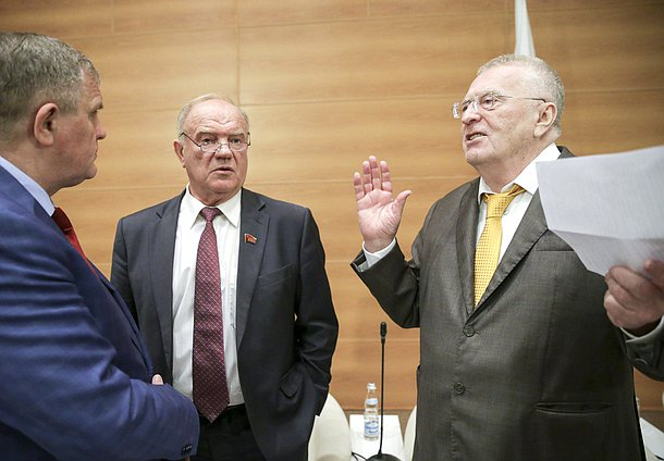First Deputy Chairman of the Committee on Labor, Social Policy and Veterans' Affairs Nikolai Kolomeitsev, leader of the CPRF faction Gennady Zyuganov and leader of the LDPR faction Vladimir Zhirinovskii