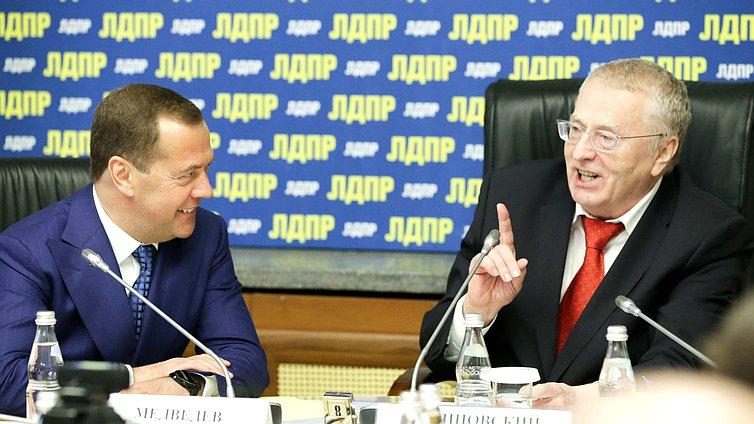 http://duma.gov.ru/media/photos/754x424/4BxxyWwAbNj4W6kVXd0iVWzAIFKxJ21U.JPG