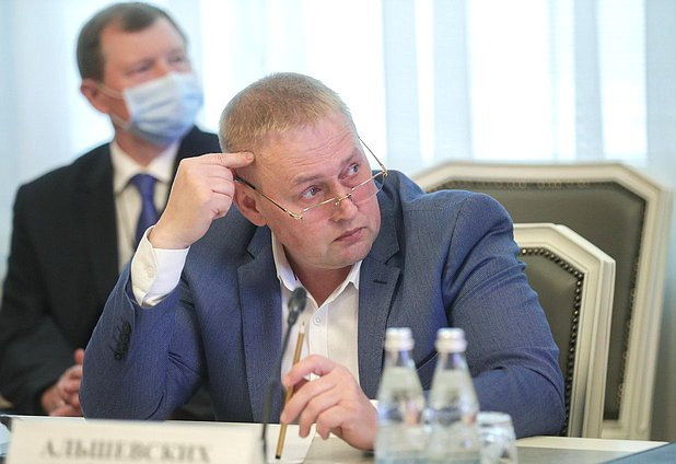 Member of the Committee on Control and Regulations Andrei Alshevskikh