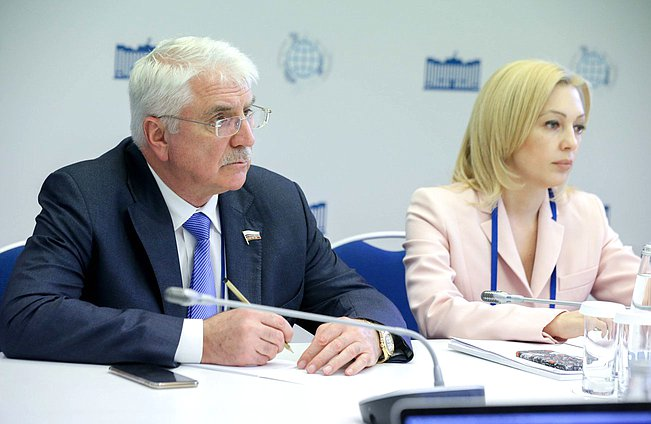 Deputy Chairman of the Committee on International Affairs Aleksei Chepa and Deputy Chairwoman of the State Duma Olga Timofeeva